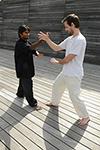 Exercice à deux des mains collantes - Taichi Pro